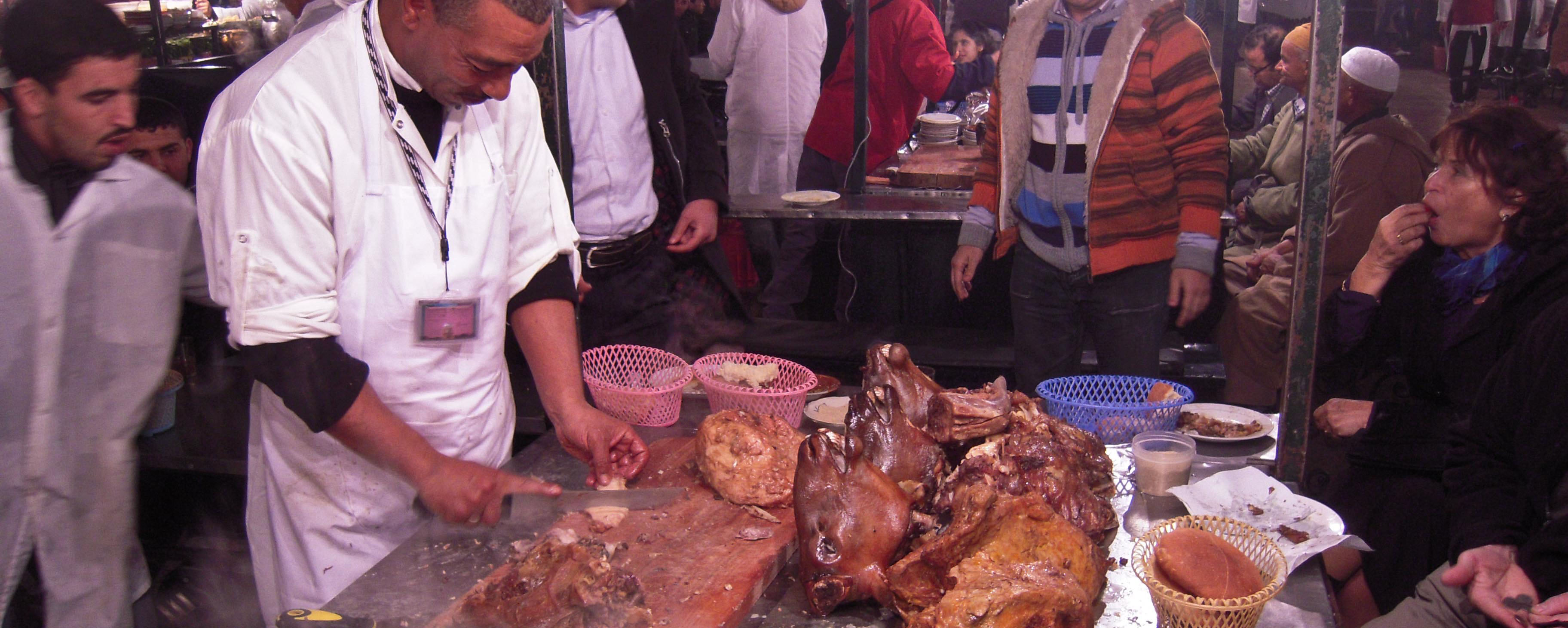 A_food_stall,_Djemma_el_Fna,_Marrakesh_(5367527033)